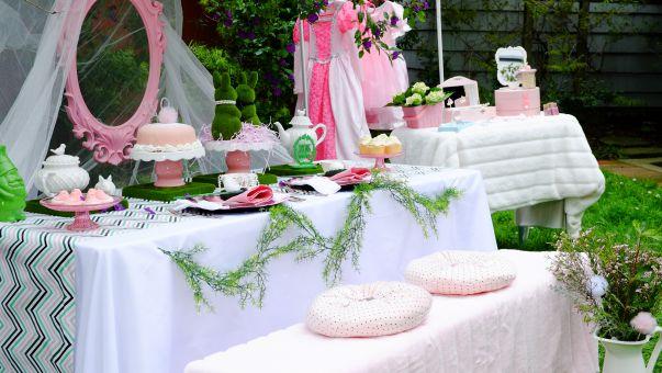 מסיבת תה אביבית לנסיכות אמיתיות