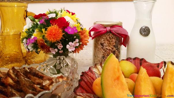 גרנולה אגוזים וזרעים ועוגיות עם פירות יבשים