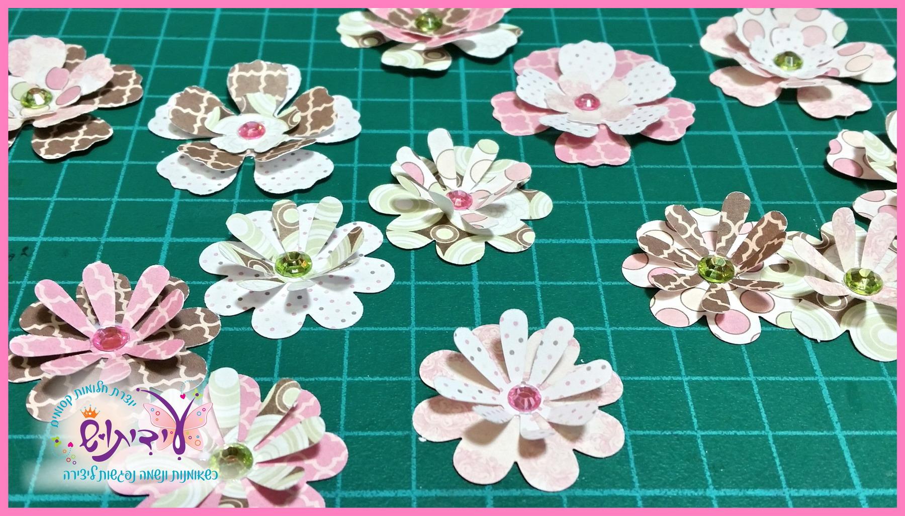 הדרכת יצירה כדורי אור - הכנת הפרחים