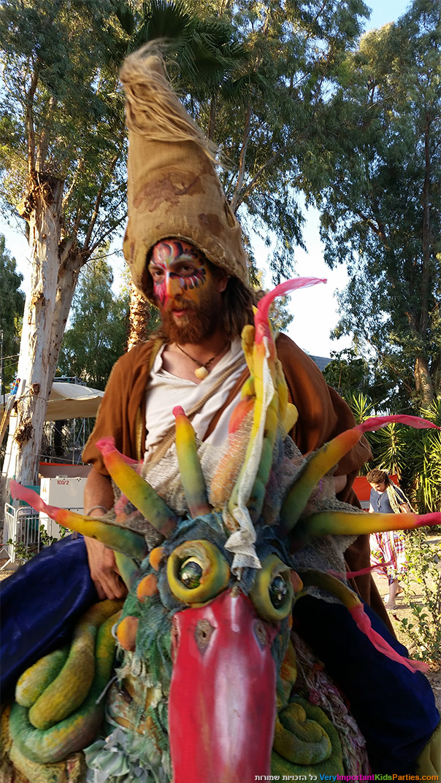 פסטיבל סולם יעקב - בובות ענק