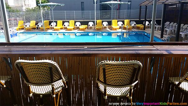 נופש משפחתי - הבריכה במלון ארקדיה טבריה