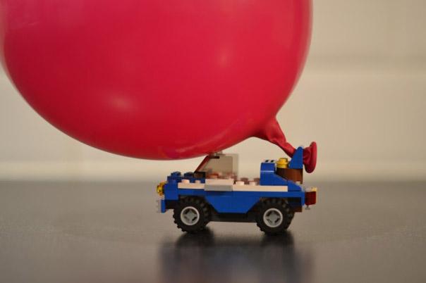להניע מכונית בעזרת בלונים