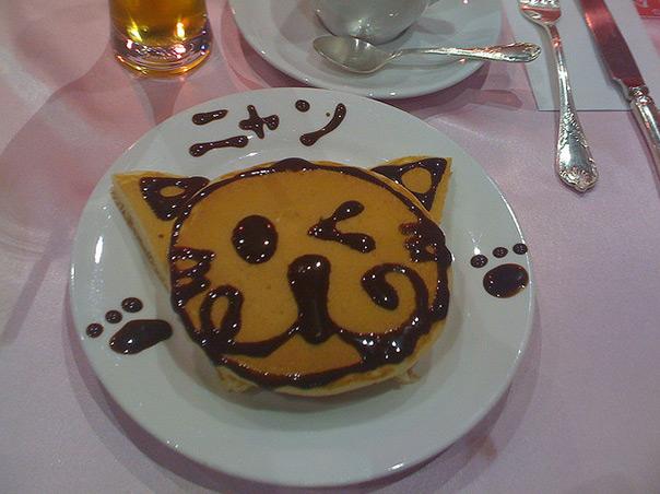 יום החתול פנקייק עם סירופ