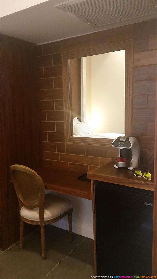 אוליב אקוודוקט - מכונת אספרסו בחדר