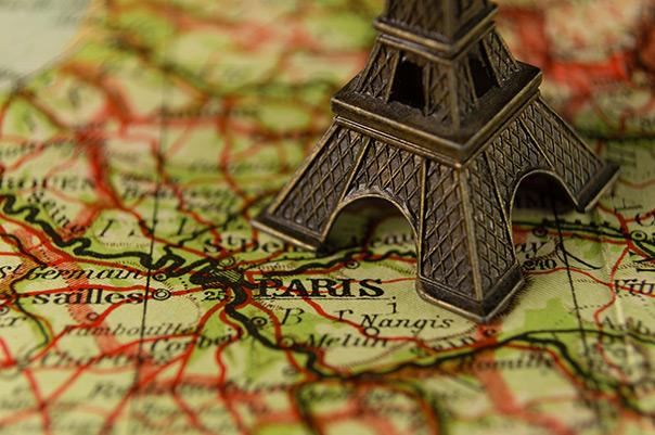 חגיגה צרפתית - מגדל אייפל