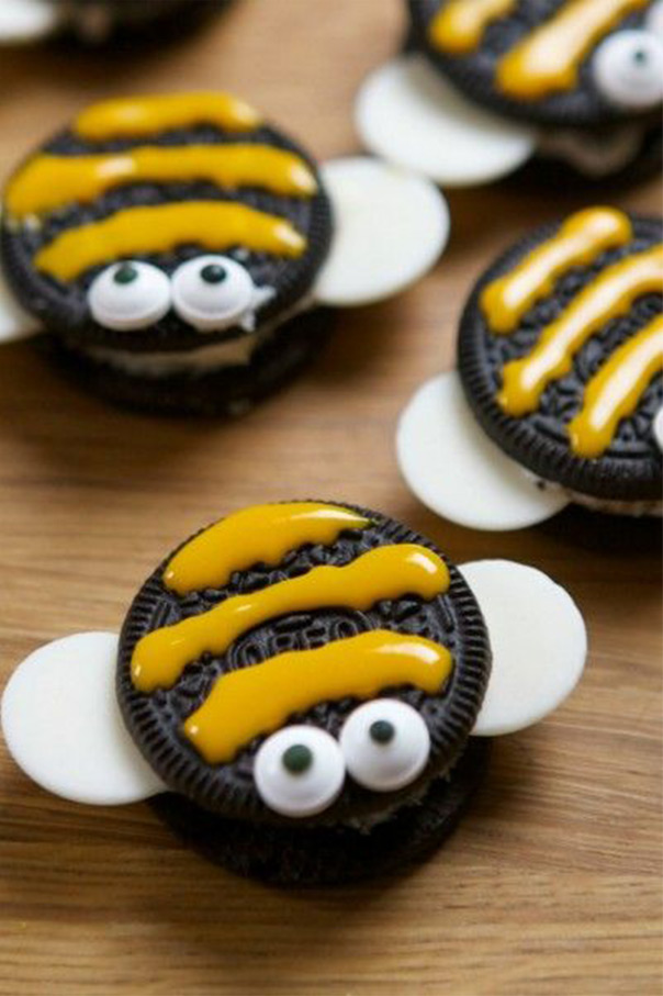 עוגיית אוריאו בצורת דבורה
