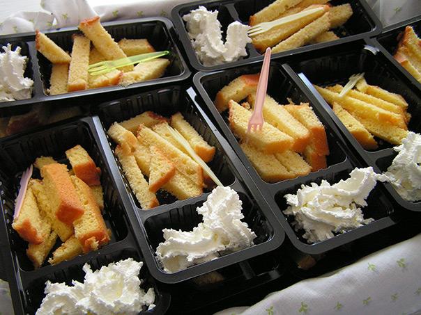 מאכלים מחופשים - טוסט עם גבינת שמנת מחופש לצ'יפס עם מיונז
